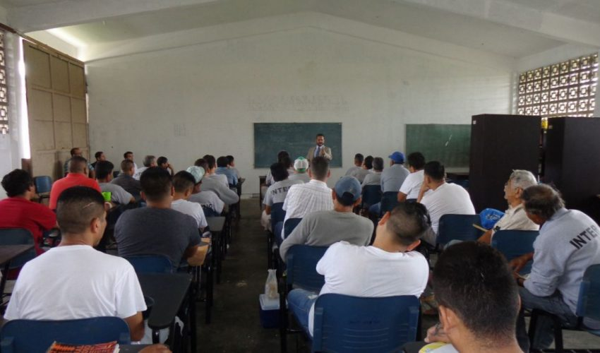"""IDPET PRESENT IN THE PROGRAM """"EDUCATION FOR ALL"""" CEDES MATAMOROS."""